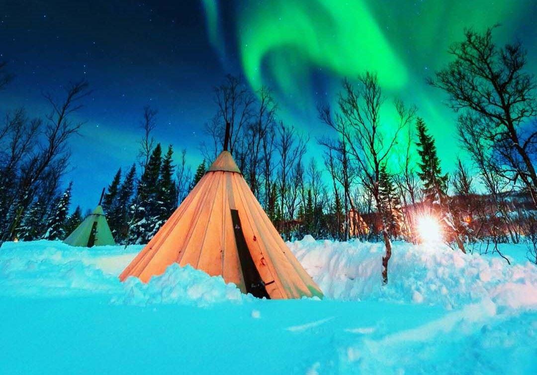 Overnight Reindeer Sledding and Northern Lights – Tromsø Lapland