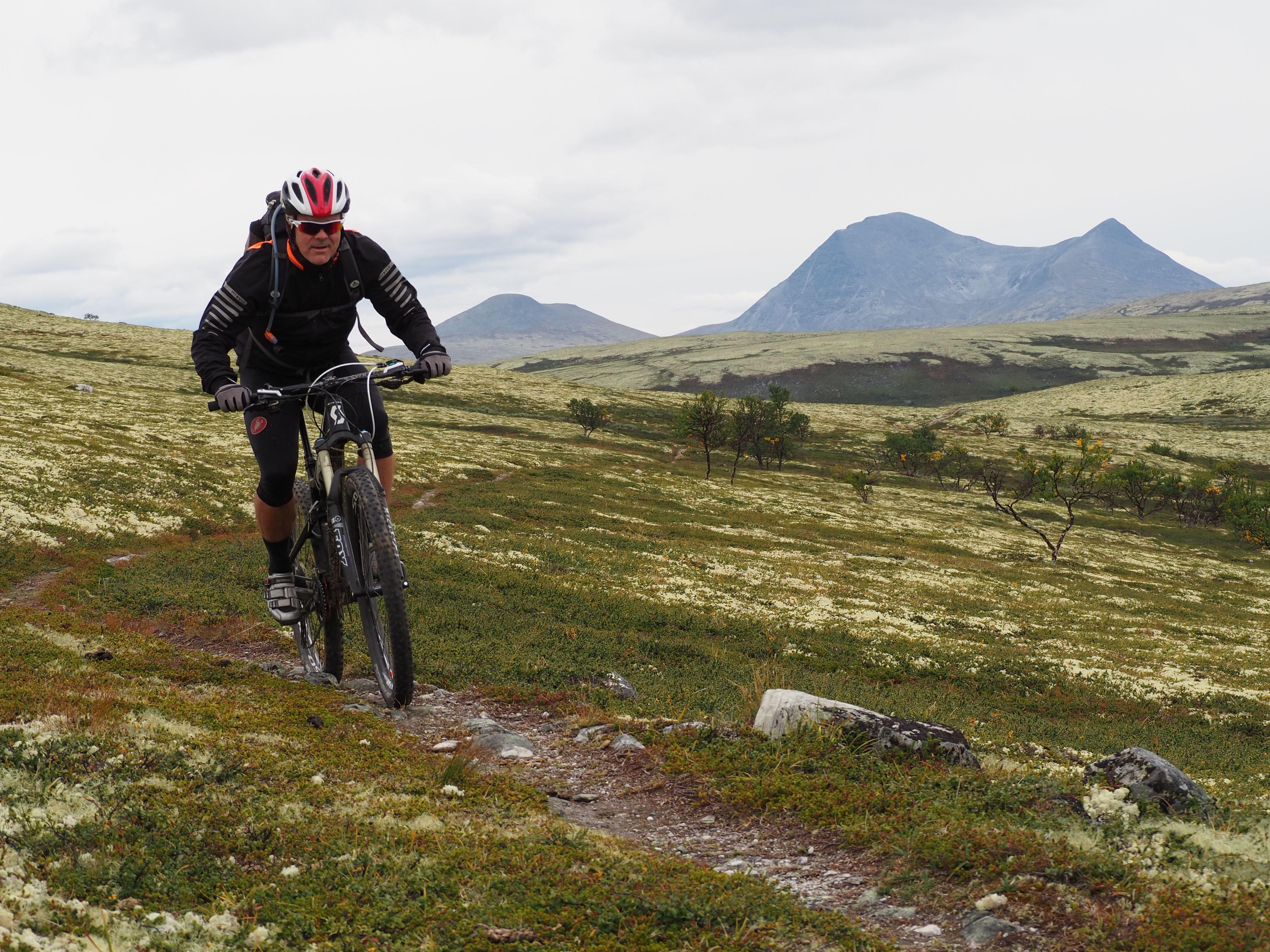 Stisykling fra seter til spa   Urørt Ski og sykkeleventyr