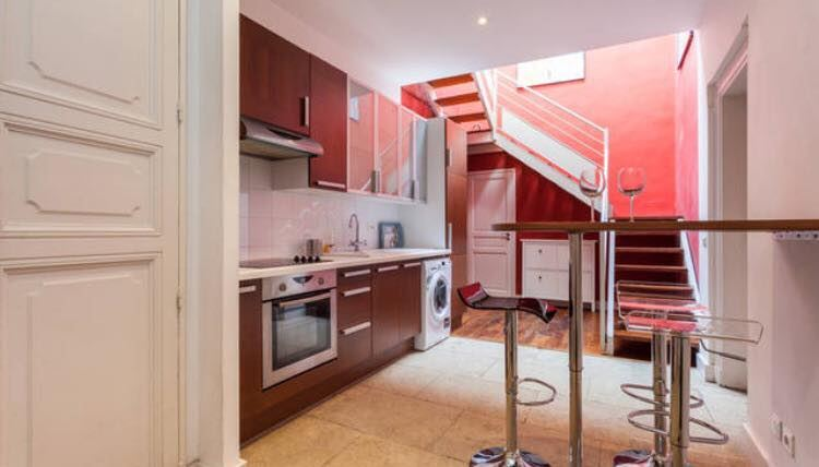 Large Haussmanian duplex in the center of 100m2