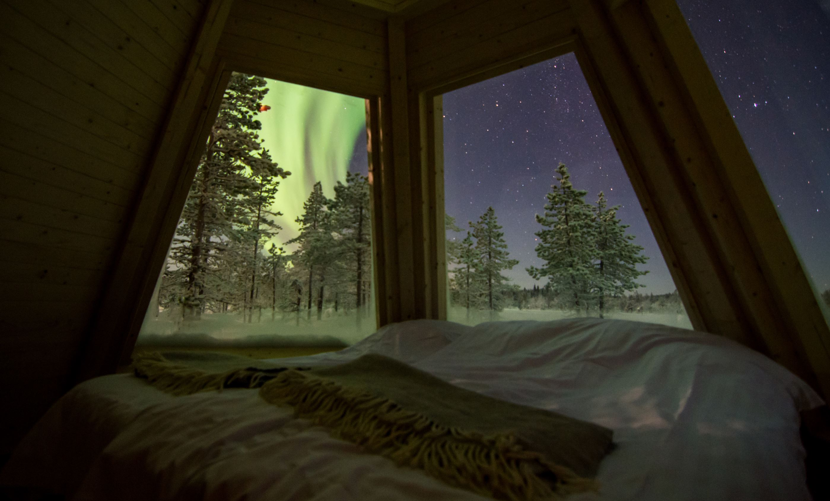 Foto Explore the North,  © Aurora Borealis Adventure, Sleep in an Aurora Tepee