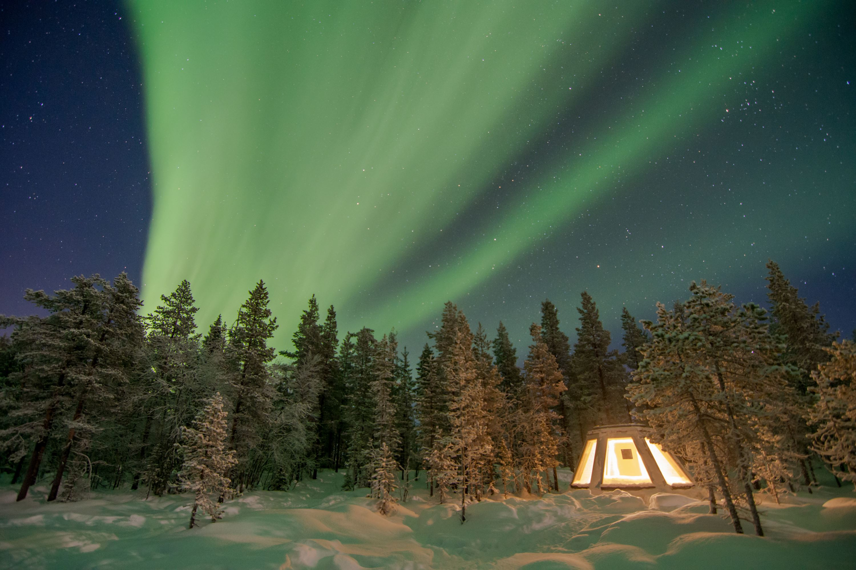 Foto Explore the North,  © Aurora Borealis Adventures, Sleep in an Aurora Tepee