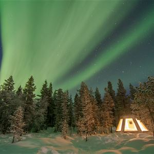 Foto Explore the North,  © Aurora Borealis Adventures, Övernatta under norrsken