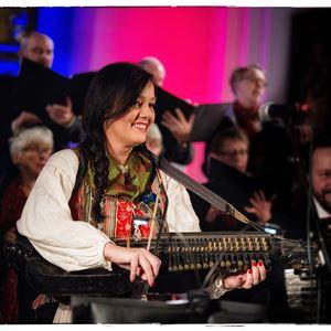 Anna Alverhag, Mössöns visfestival - Åsa Jinder m.fl. uppträder