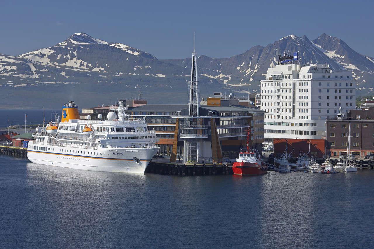Private Transfer Tromsø City Centre Hotels - Tromsø Airport