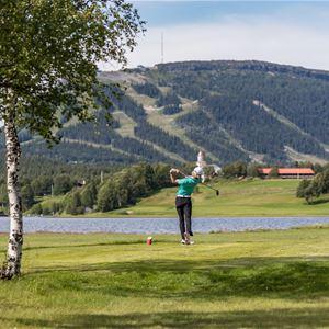Golftävling-Midsommarscramble