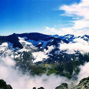 © Jan Erik Sandbakk, Mount Skåla 1,848 m. straight up