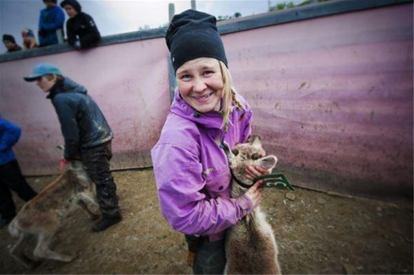 Tidsresa för barn på den samiska parken Lopme Laante