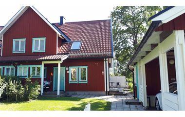 Uppsala - Trevligt hus med 6 st sovplatser och plats för 3 st bilar med gångavstånd till O-ringentorget. - 6939