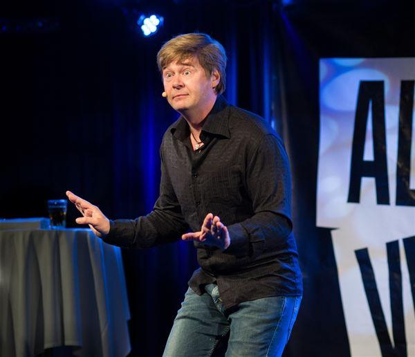 "Standup med Roar Brekke på Myrkdalen Hotel - ""All verdens tid"""