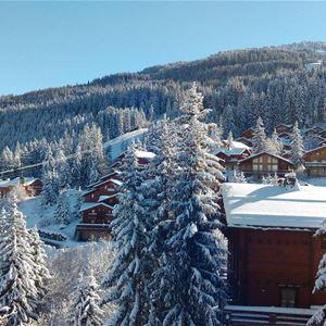 3 pièces + cabine, 9 personnes skis aux pieds / Grand bois A1112 (Montagne) / Séjour Sérénité