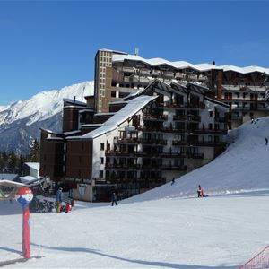 3 rooms, 8 people ski-in ski-out / Grand Bois B403 (Mountain of Charm) / Tranquillity Booking