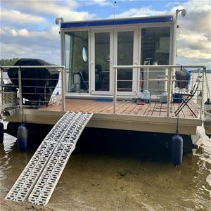 AquaVilla House Boats