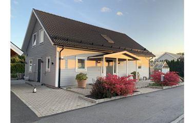 Uppsala - 1,5 plans villa med många sovplatser och nära tävlingsområdena, tex gångavstånd till Sävja IP - 7421