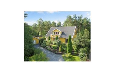 Länna - Villa, 180 kvm, med SPAbad i trädgården. 2 mil öster om Uppsala.  - 7471