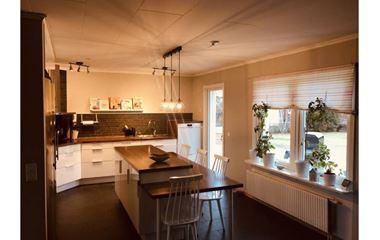 Uppsala  - Villa med pool i Årsta  - 7562