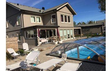 Uppsala - Stor villa med pool i södra Uppsala - 7546