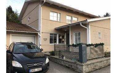 Uppsala - Villa/ Parhus i Sävja nära skogen och naturen - 7622