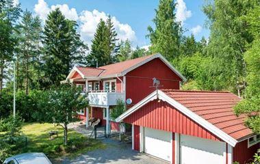 Knivsta - Trivsam villa i vacker lantlig miljö  - 7749