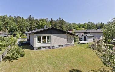 Bälinge - Villa i Bälinge, 21,4 km (25 min) till Ultuna. 5-8 vuxna +2 barn platser. - 7644