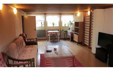Uppsala - Två rum i villa. Villan ligger i Sunnersta ca. 1,5 km från O-ringenstaden, 400 m till livsmedelsaffä - 7636