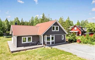 Uppsala - Hus med underbar miljö och läge, 146 m2, 12 km från O-ringenstad - 7741