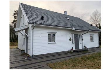 Knivsta - Modern villa i Alsike med mysig baksida - 7865