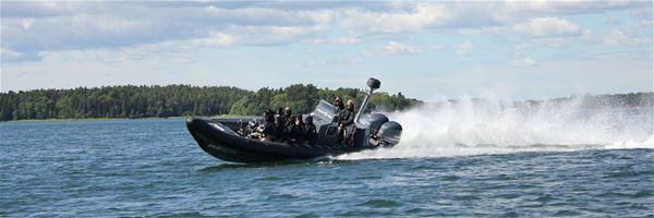 Skärgårdsupplevelse med Rib-båt inklusive lunch och paintballaktivitet