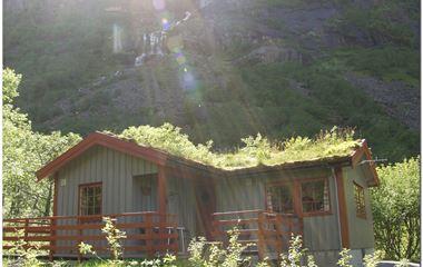 Briksdalsbre Fjellstove (cabin)