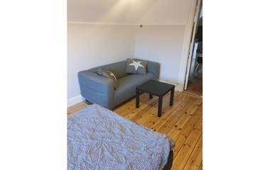 UPPSALA - Lägenhet i centrala Uppsala 4 rum med plats för 6 personer.Stor lgh med stora ytor, närhet till allt - 7959