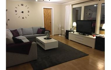 Uppsala - Villa Sunnersta 8 sovplatser nära o-ringen - 7990