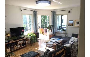 Uppsala - Ljus, södervänd fyra med balkong i Ekudden, Ulleråker. - 8000