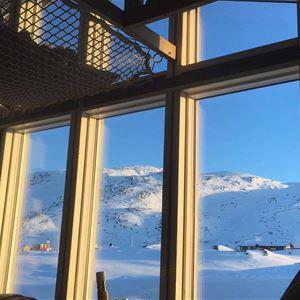 The Wolf Den Mountain Cabin