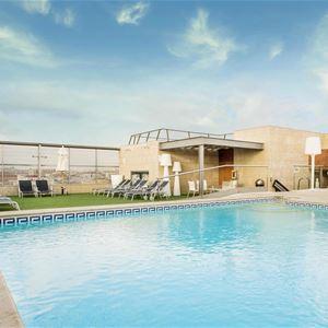 Hôtel 4* avec piscine adaptée et vue imprenable