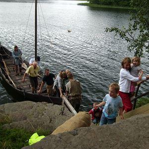 Roddartur med äkta vikingabåt på Erken