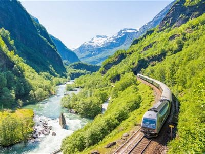 The Flåm Railway, Flåm Zipline and Bikeride
