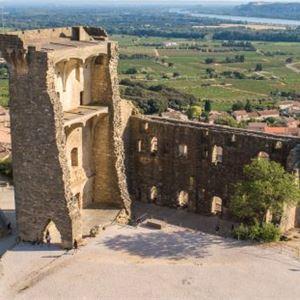 Tour des Vins: Châteauneuf du Pape - A la Française ! Provence