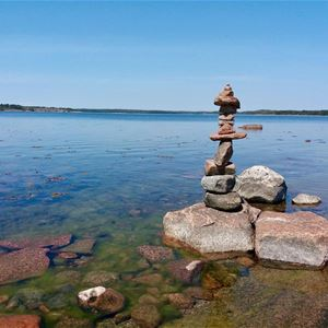 Flow Yoga on Lilla Holmen beach in Mariehamn