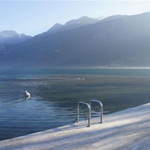 Villa en face du lac d'Annecy et vue sur les Alpes
