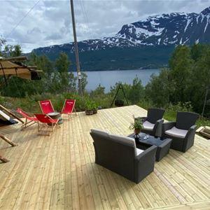 Bo i lavvo og opplev idylliske fjorden fra Trældal