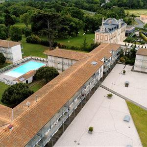 Vacancéole - Résidence Le Domaine du Château***