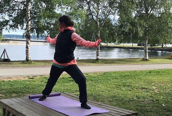 Yoga in Surfbukten