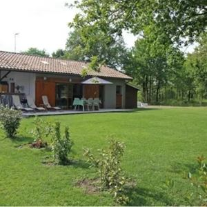 Maison au cœur de la forêt en Gironde