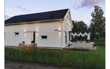 Uppsala - Nybyggt hus 164 kvm 400 meter från Arena 1& 2 Pattons Hage - 8061