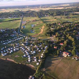 En översiktsbild på Trummenäs camping