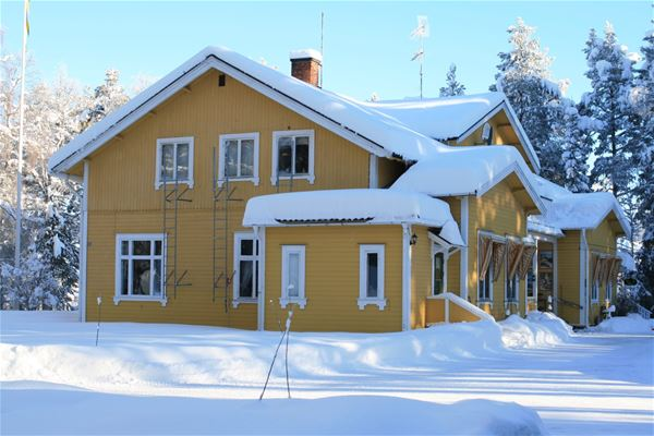 Vintermiljö på turistgården.
