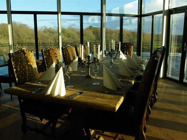 Dukat matbord med vacker utsikt