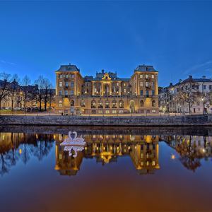 Elite Grand Hotel, Från vattnet vacker kvällsvy mot Elite Grand Hotel