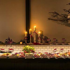 Julbord med magikern Jakob Ljungkvist