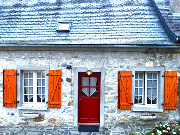 © Lanne, HPG127 - Grange mitoyenne rénovée en Val d'Azun