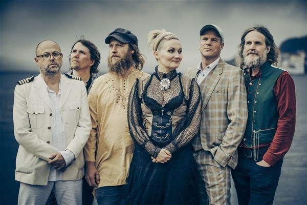 Sigrid Moldestad og band